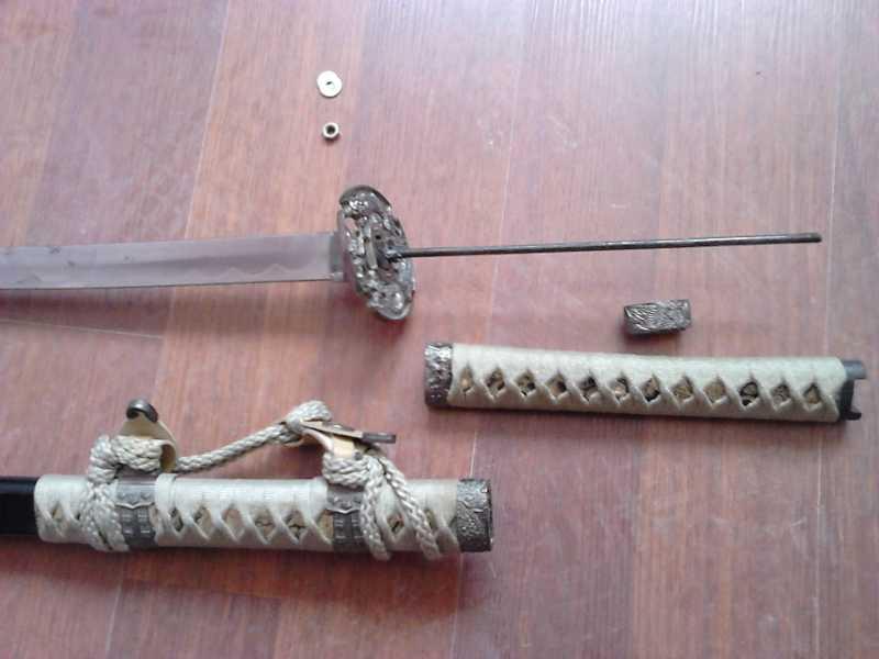 11)Катаны. Боевые и сувенирные образцы.